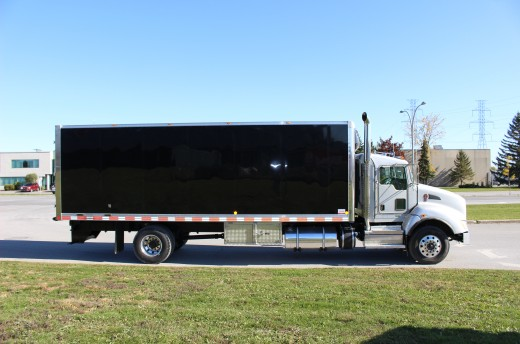 26' Arctik™ Truck body on Kenworth T440