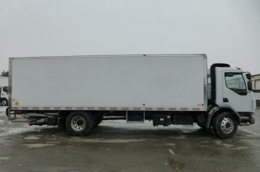 26' Arctik™ Truck body on Kenworth K370