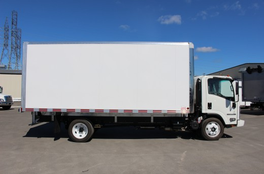18' Arctik™ Truck body on Isuzu NPR