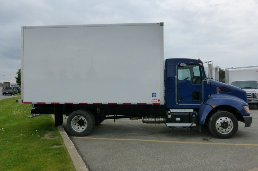 14' Frio™ Truck body on Kenworth T170