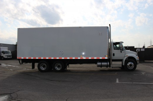 26' X-Treme™ Truck body on International 4400