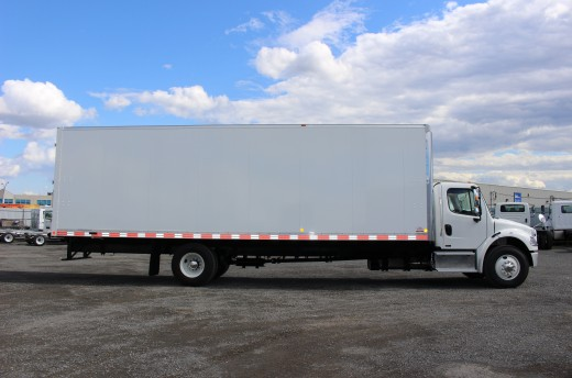 30' X-Treme™ Truck body on Freightliner M2-106