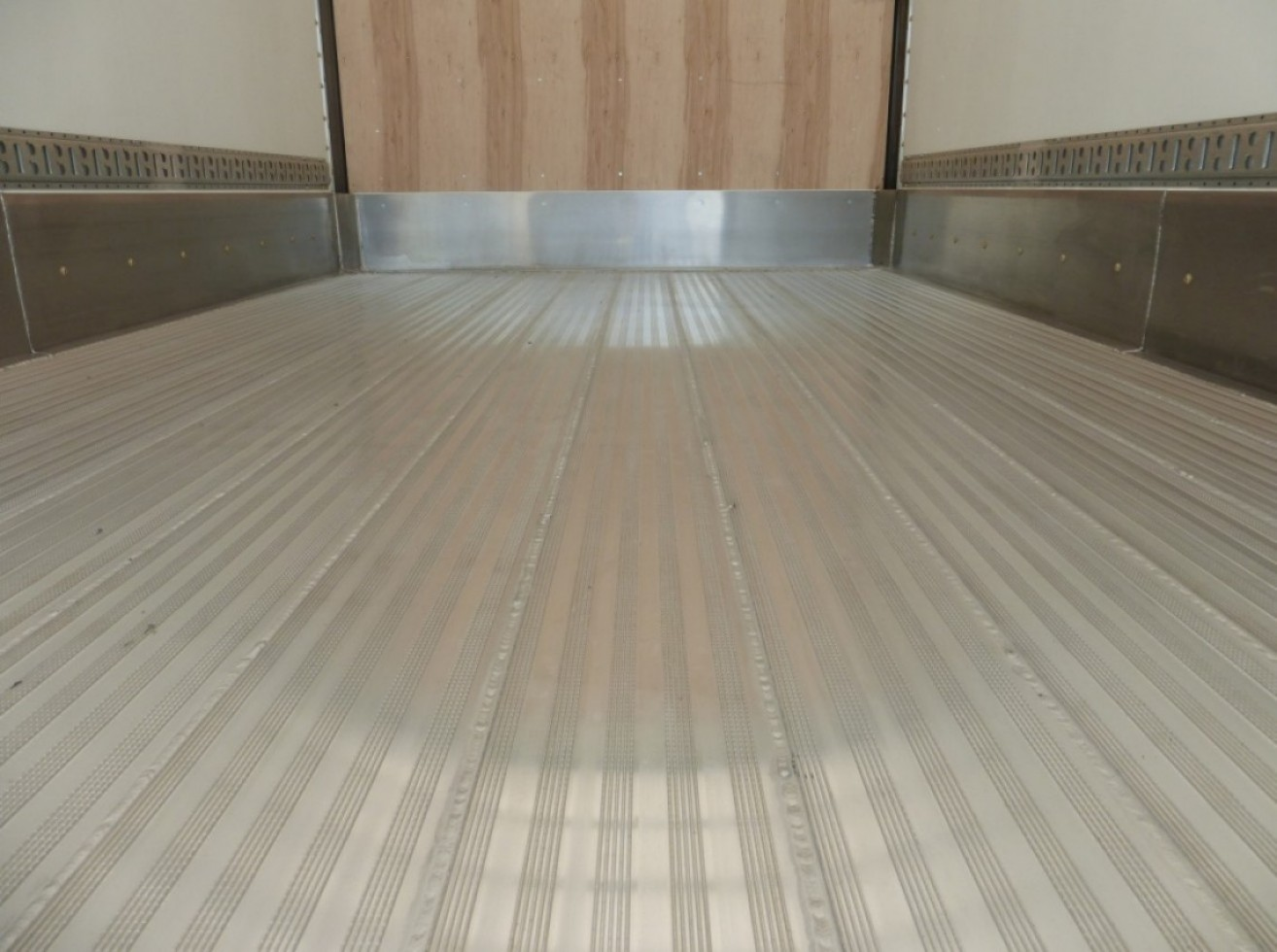 Inverted T Aluminum Floor 100 Welded Transit