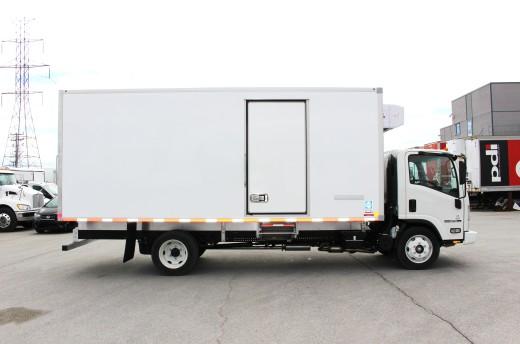 18' Frio™ Truck body on Isuzu NPR-HD