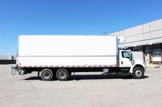 28' Arctik™ Truck body on International MV607