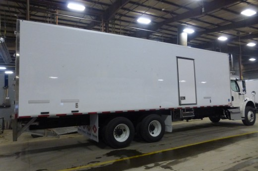 30' Frio™ Truck body on Freightliner M2-106