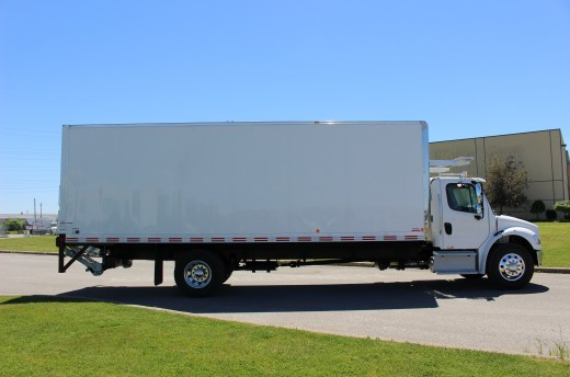 26' Arctik™ Truck body on Freightliner M2