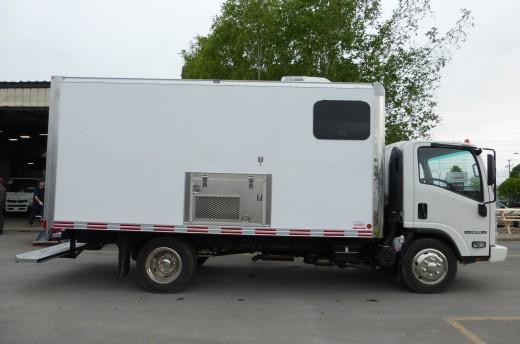 15' Arctik™ Truck body on Isuzu NPR