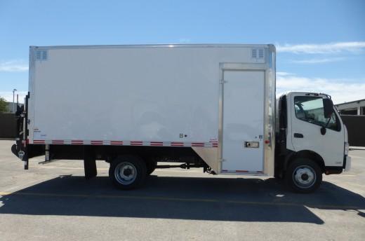 18' Classik™ Truck body on Hino 195