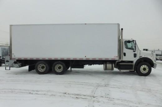 Boîte Classikᴹᴰ 26' sur Freightliner M2-112