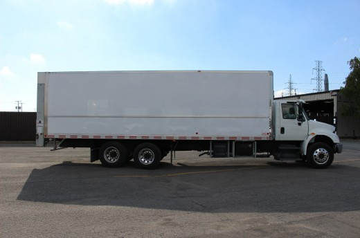 28' Classik™ Truck body on International 4400