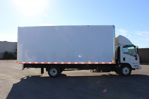 22' Classik™ Truck body on Isuzu NRR