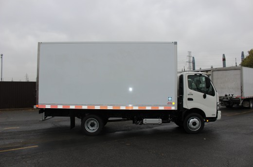 16' Frio™ Truck body on Hino 195