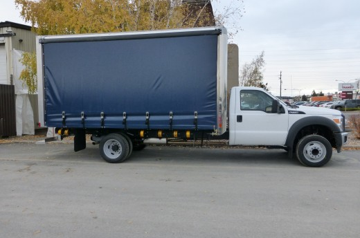 16' Curtains Sider on Ford F550