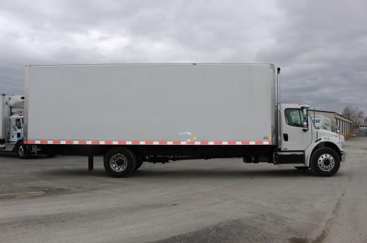 Boîte Classikᴹᴰ 28' sur Freightliner M2-106
