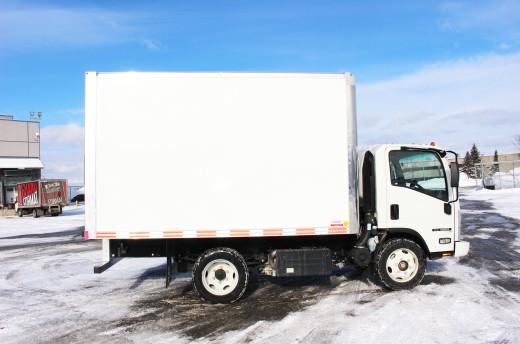12' Classik™ Truck body on Isuzu NRR