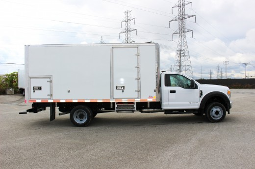 16' Classik™ Truck body on Ford F550