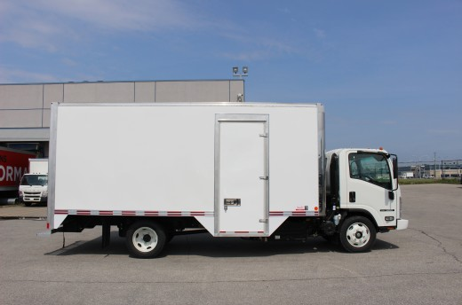 18' Classik™ Truck body on Isuzu NRR