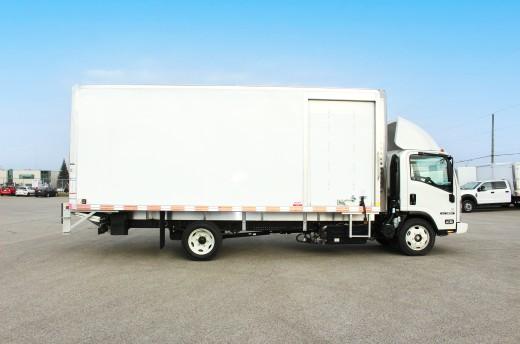 20' Classik™ Truck body on Isuzu NRR