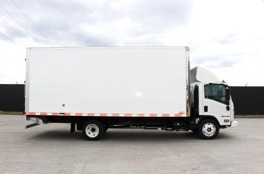 20' Classik™ Truck body on Isuzu NPR-HD