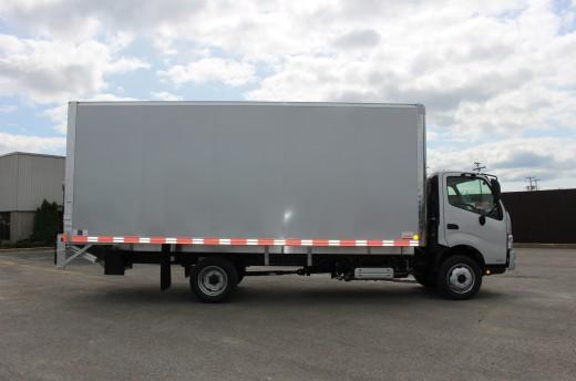 20' Classik™ Truck body on Hino 195