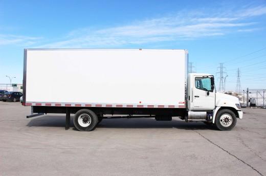 24' Classik™ Truck body on Hino 268