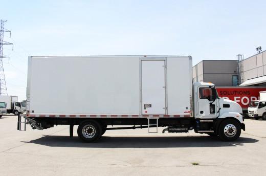 24' Classik™ Truck body on Mack MD7