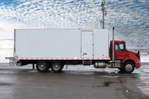 28' Classik™ Truck body on Volvo VNR