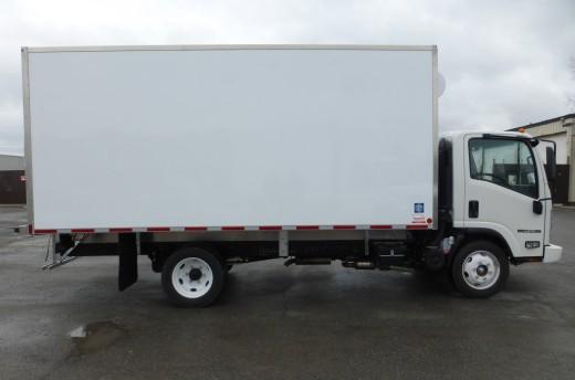 16' Frio™ Truck body on Isuzu NPR