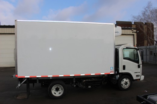 13.5' Frio™ Truck body on Isuzu NRR