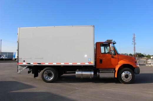 14' Frio™ Truck body on International 4300