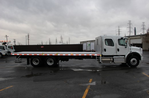 26' Flatbed on Freightliner M2 Crew Cab