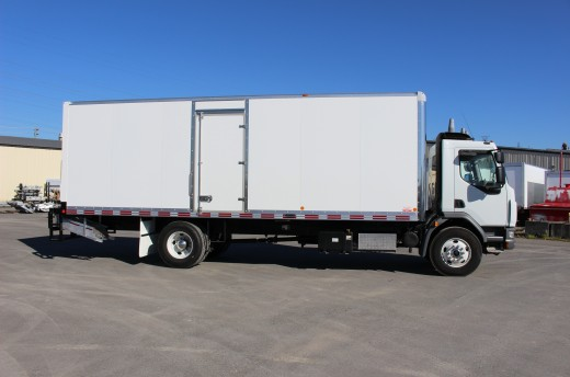 26' X-Treme™ Truck body on Kenworth K370