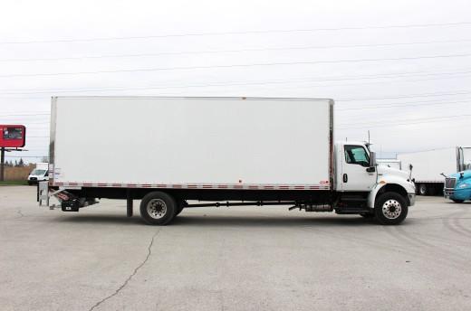 28' X-Treme™ Truck body on International MV607